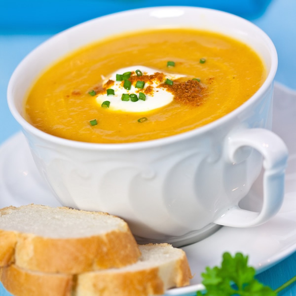 Carrot soup with chives and chili