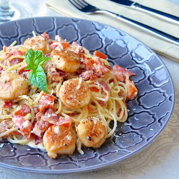 Creamy scallop spaghetti with bacon