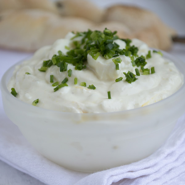 Garlic yogurt sauce