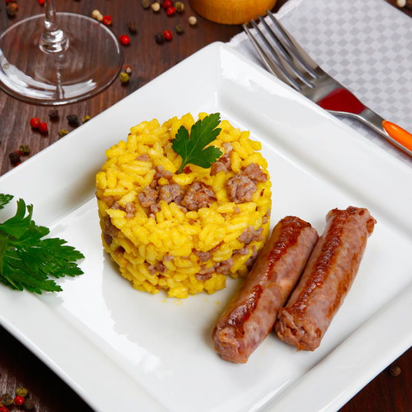 Risotto with saffron and sausages