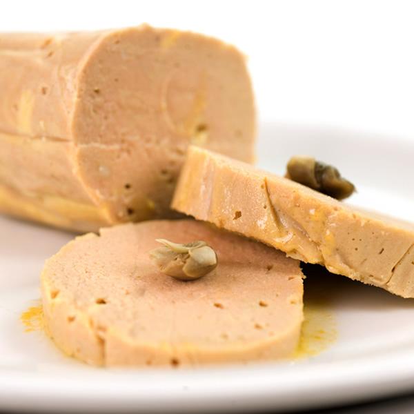 Tuna salami with capers