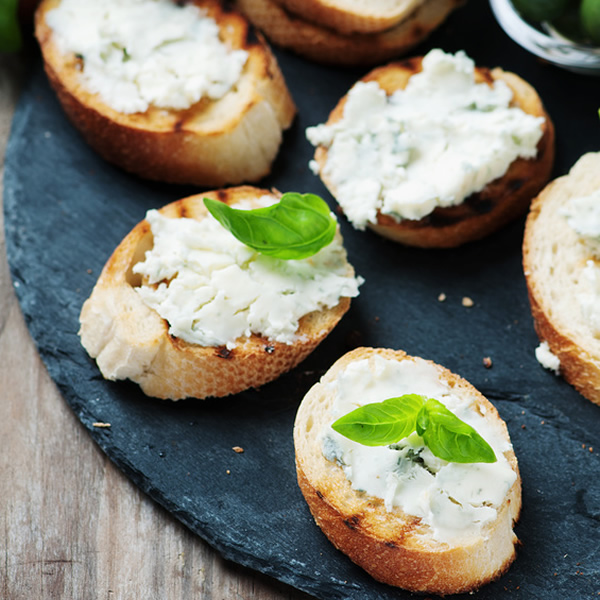 Bruschetta bread with gorgonzola cheese and honey