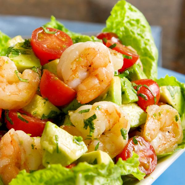 Shrimp and avocado salad with tomatoes