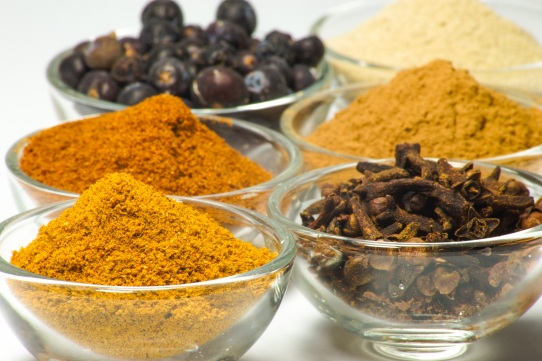 spices-curry-pepper-nutmeg