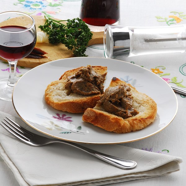 Italian crostini with chicken livers