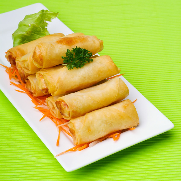 Vegetarian spring rolls with cabbage and carrots