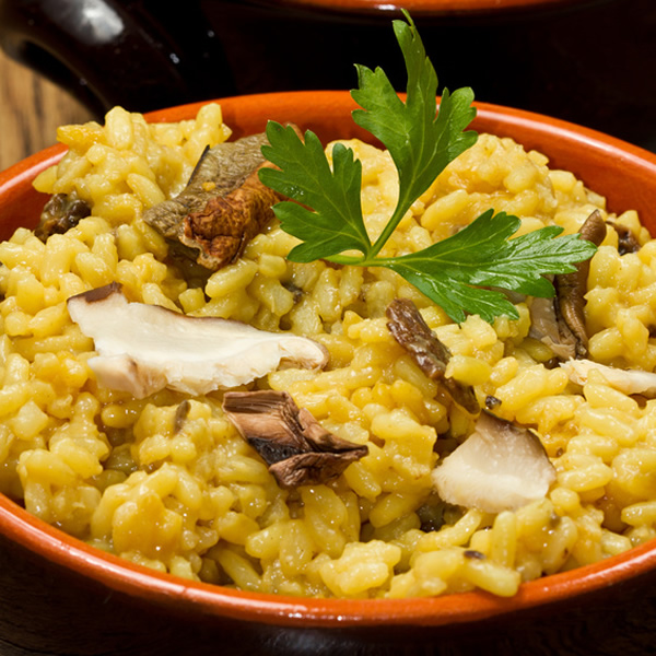 Risotto with porcini mushrooms and saffron