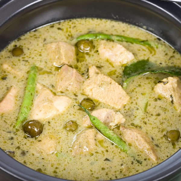 Thai chicken in green curry sauce