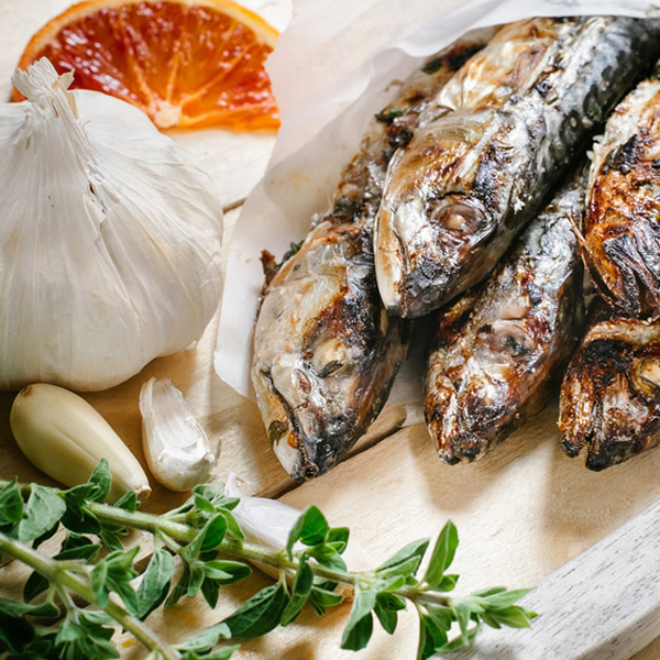 Mackerel with garlic