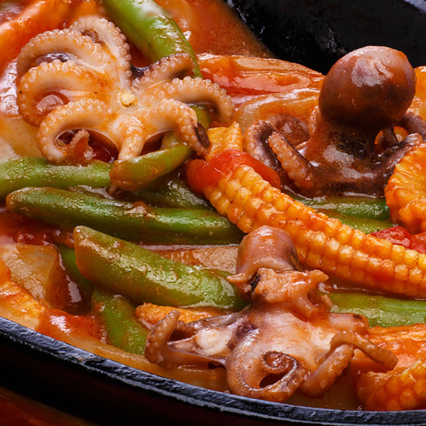 Squid with peppers and corn